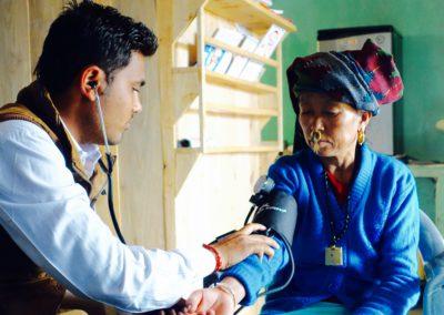 Blutdruckmessung in Memeng
